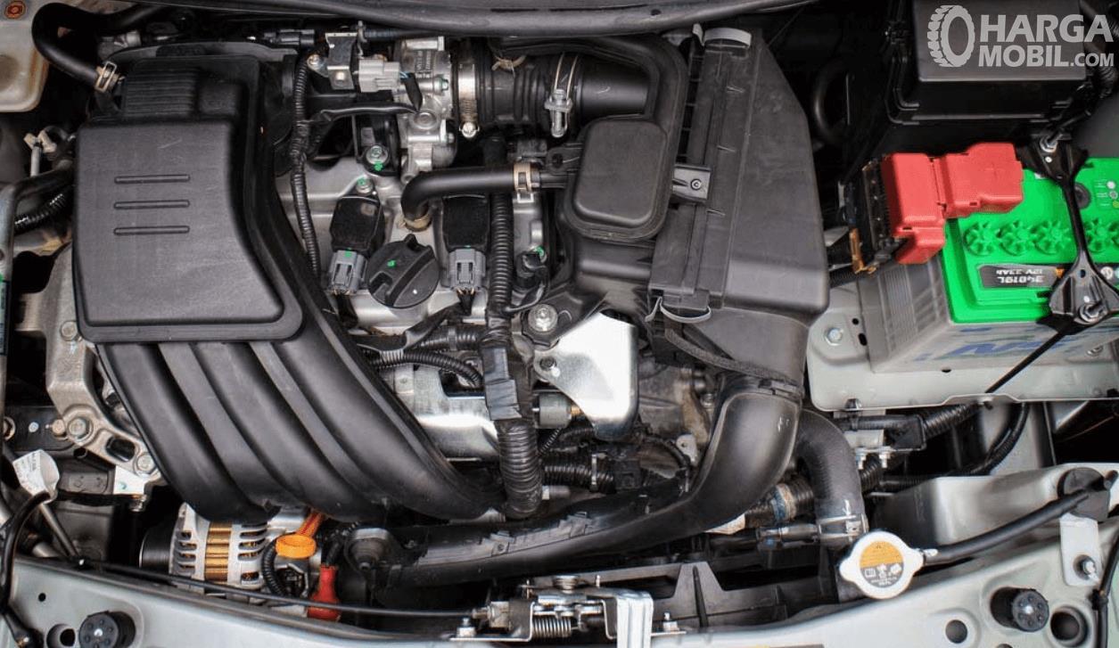 Gambar ini menunjukkan mesin mobil Datsun Go Live 2019