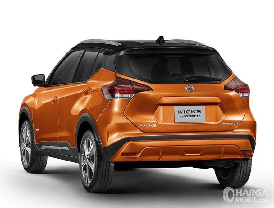 Gambar ini menunjukkan bagian belakang mobil Nissan Kicks e-Power 2020