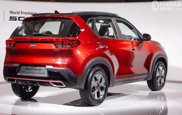 Gambar ini menunjukkan bagian belakang mobil Kia Sonet 2020