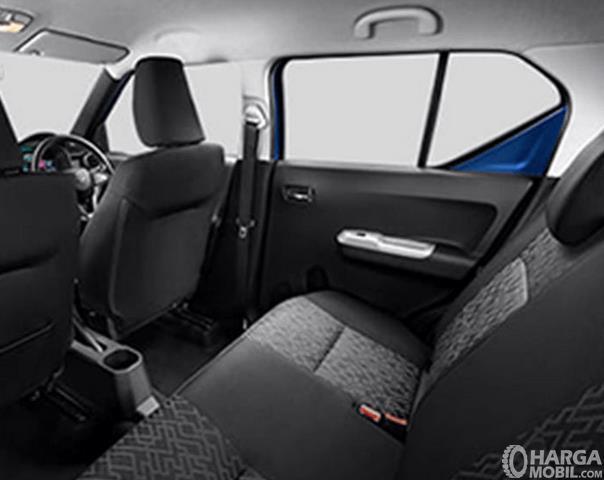 Gambar ini menunjukkan jok mobil Suzuki Ignis GL MT 2020