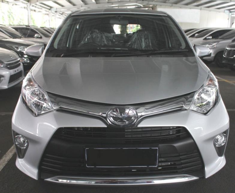Gambar ini menunjukkan bagian depan Toyota Calya G MT 2017