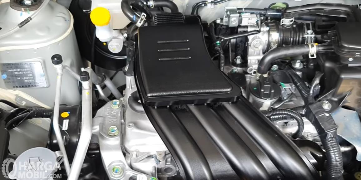Gambar ini  menunjukkan mesin mobil Datsun GO Panca D MT 2018