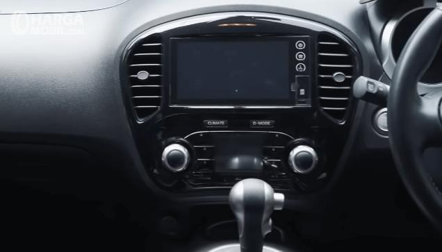 Gambar ini menunjukkan head unit Nissan Juke Revolt II 2019