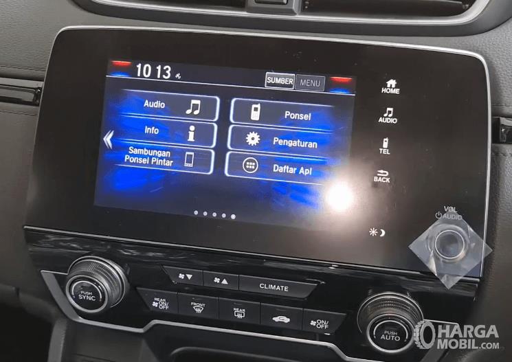 Gambar ini menunjukkan head unit Honda CR-V Turbo Prestige 2021