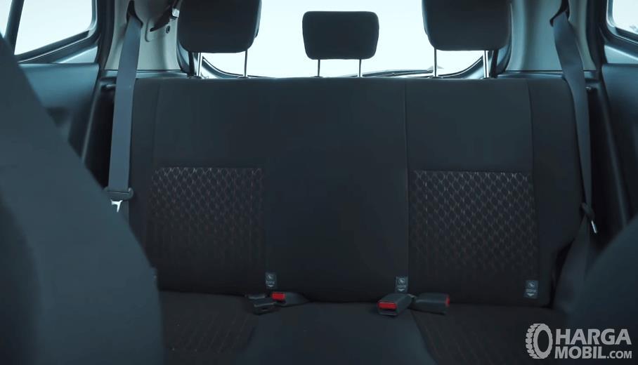 Gambar ini menunjukkan jok belakang Toyota Agya 1.2 G AT TRD Facelift 2020
