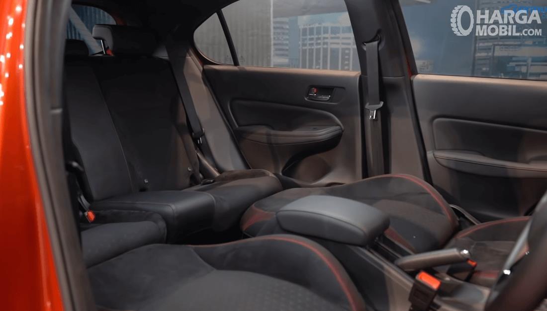 Gambar ini menunjukkan jok Honda City Hatchback RS 2021