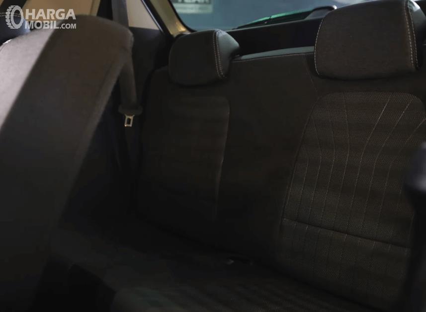 Gambar ini menunjukkan jok mobil KIA Sonet Dynamic 7 Seater 2021