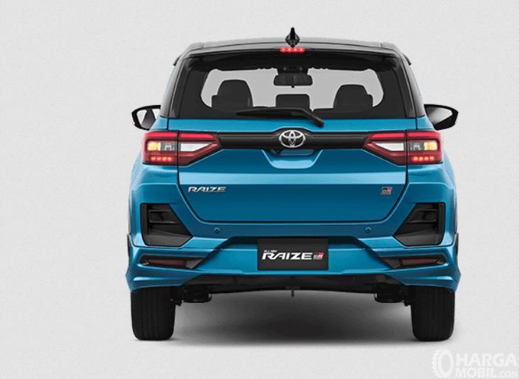 Gambar ini menunjukkan bagian belakang Toyota Raize GR Sport CVT TSS 2021