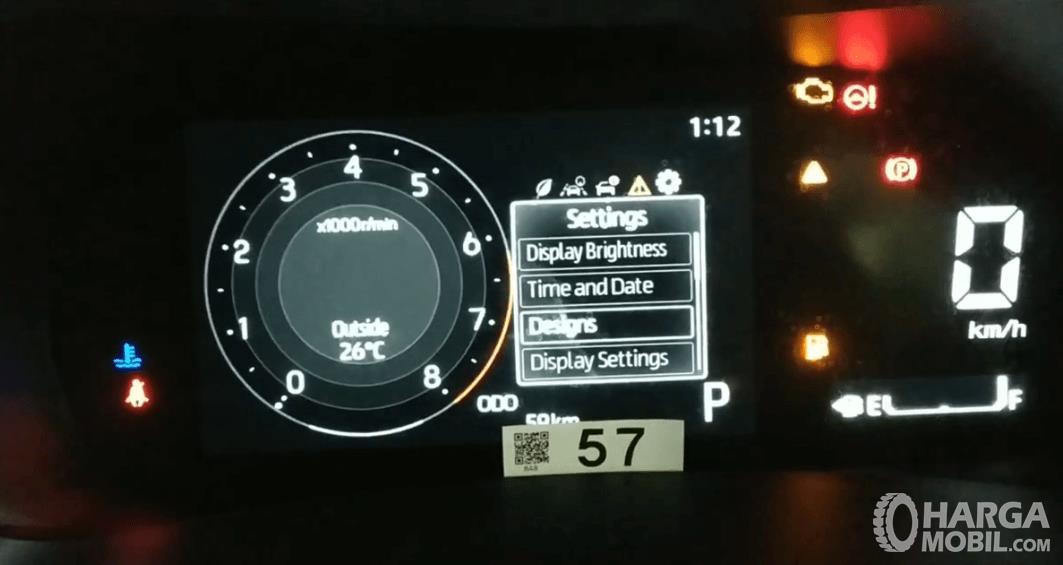 Gambar ini menunjukkan layar MID Daihatsu Rocky R TC ASA 2021