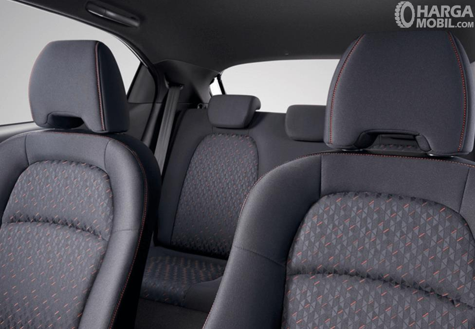 Gambar ini menunjukkan jok mobil Honda Brio RS Urbanite Edition 2021