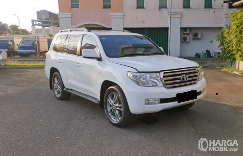 Spesifikasi Toyota Land Cruiser 2011: SUV Mewah Bisa Untuk Off-Road