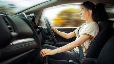 Ini Gaya Mengemudi Yang Bikin Mobil Boros BBM Menurut Rifat Sungkar