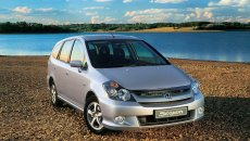 Review Honda Stream 2002