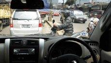Hati-Hati Berkendara, Begini Tips Menghadapi Pengendara Sepeda Motor Di Jalan