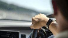 Telinga Berdengung Saat Naik Mobil? Coba Lakukan Salah Satu Tips Ini