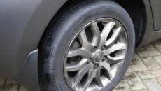 Hati-Hati Saat Ban Mobil Botak Sebelah, Berikut Penyebabnya
