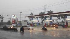 Cek Asuransi Mobil Saat Musim Hujan Yang Rawan Banjir