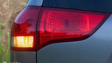 Beberapa Penyebab Lampu Sein Mobil Rusak Perlu Diperhatikan