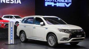 Review Mitsubishi Outlander PHEV 2019 : SUV Ramah Lingkungan Berharga 1 Miliar