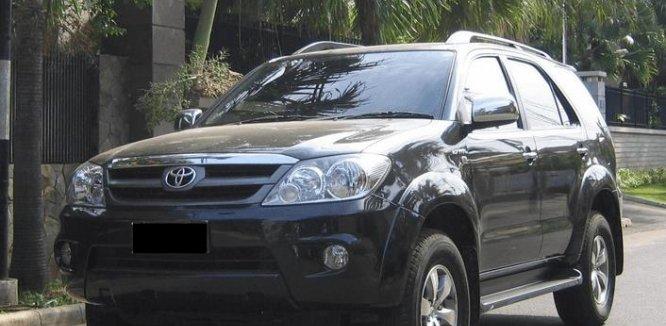 Review Toyota Fortuner 2005: Mobil SUV Tangguh Segala Medan