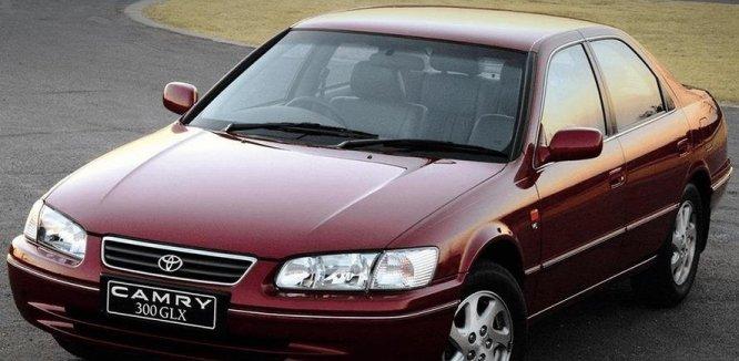 Review Toyota Camry Grande 1998: Mobil Sedan 90-an Dengan Tenaga Besar