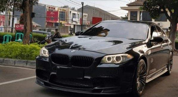 Spesifikasi Mobil BMW M5 F10 2012 : Penumpang Mendapatkan AC Sendiri-Sendiri