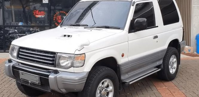 Spesifikasi Mobil Mitsubishi Pajero 1994 : SUV 3 Pintu Dengan Intercooler Turbo